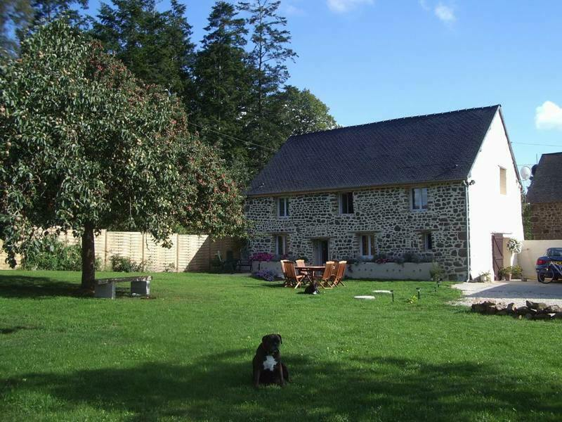 House for sale Mayenne France 3 bedroom & one acre paddock